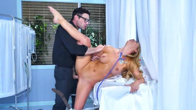 doctor in hardcore action with a big boobed patient № 677028