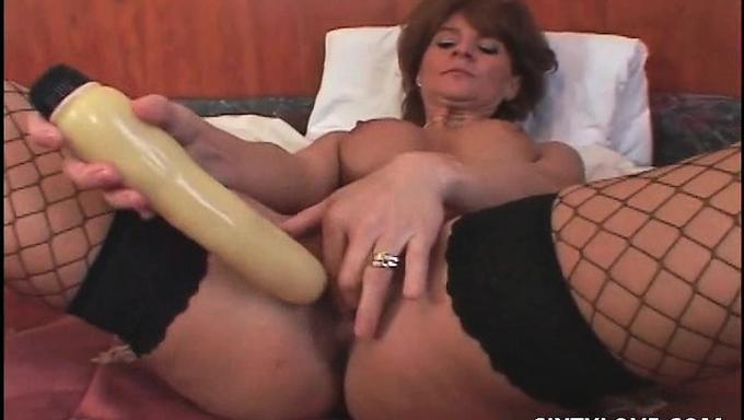 Порно фильмы мастурбация игрушками 65697 фотография