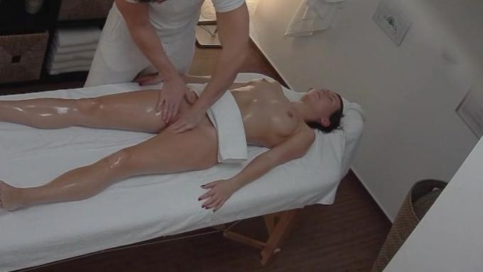подсмотренный массаж